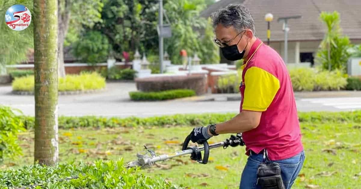 singapore landscape, Meet the 54-year-old Landscape Maintenance Worker who turns his passion into a profession