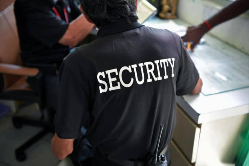 USE, Netizen gets schooled after calling the Union of Security Employees (USE) 'useless'